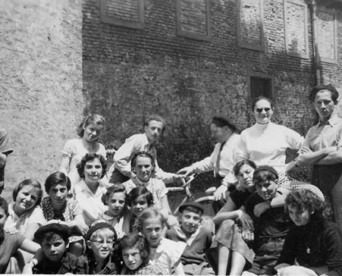 Aux Cigognes vers avril 1949